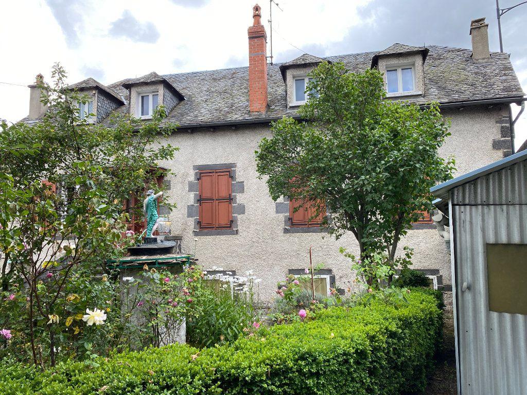 Maison à vendre 12 218m2 à Saint-Flour vignette-2