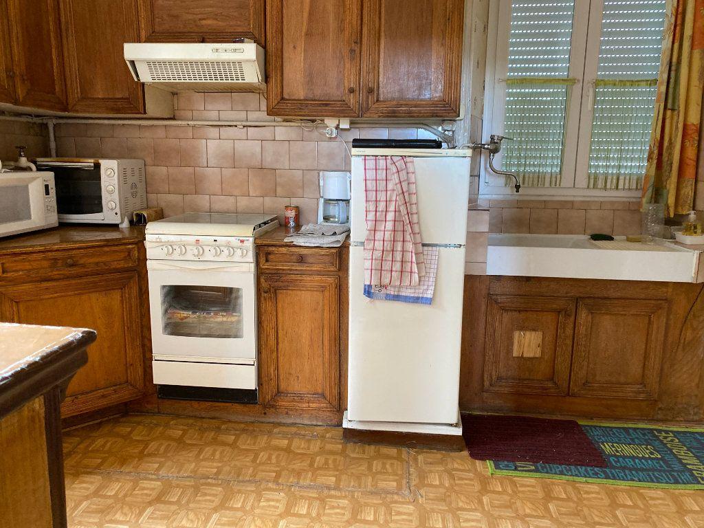 Maison à vendre 12 218m2 à Saint-Flour vignette-3