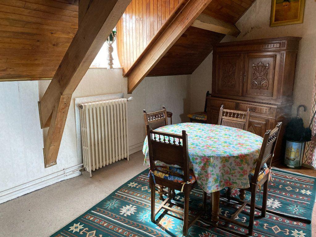 Maison à vendre 12 218m2 à Saint-Flour vignette-5