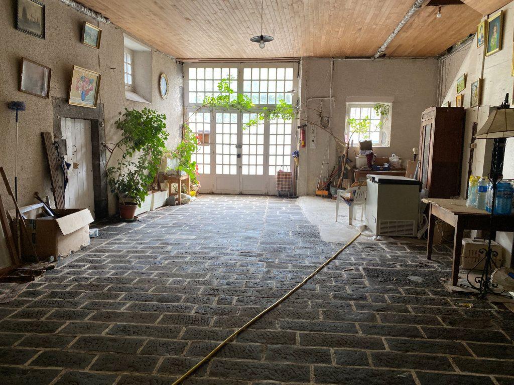 Maison à vendre 12 218m2 à Saint-Flour vignette-8
