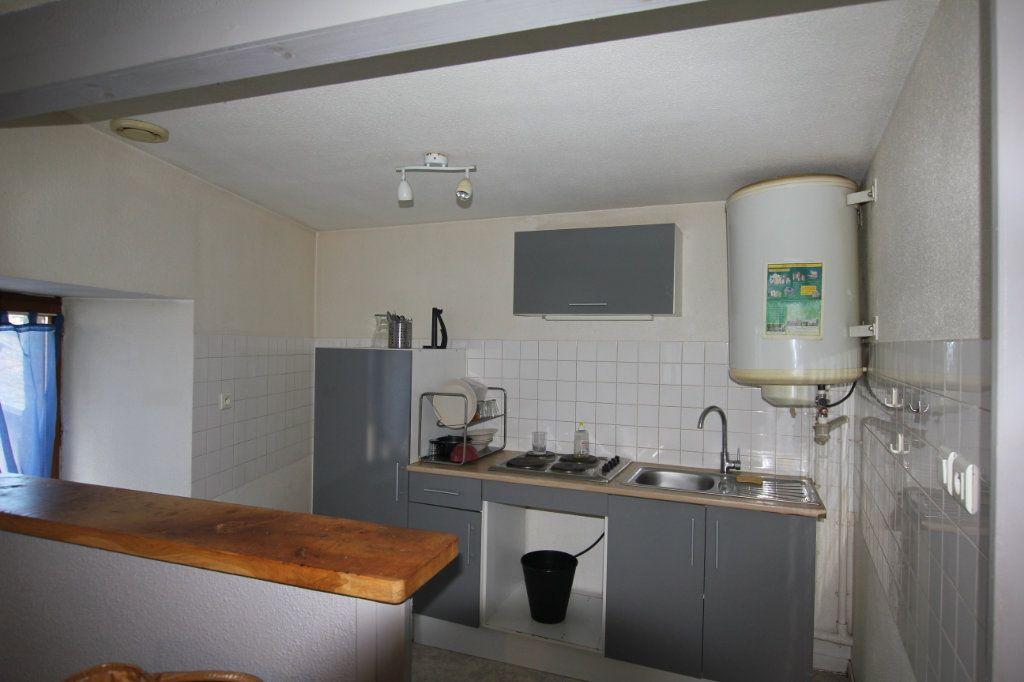 Appartement à louer 2 45m2 à Saint-Flour vignette-1