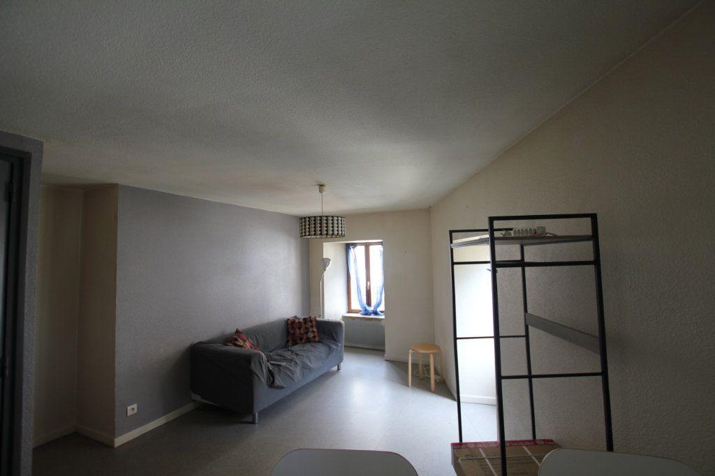 Appartement à louer 2 45m2 à Saint-Flour vignette-5