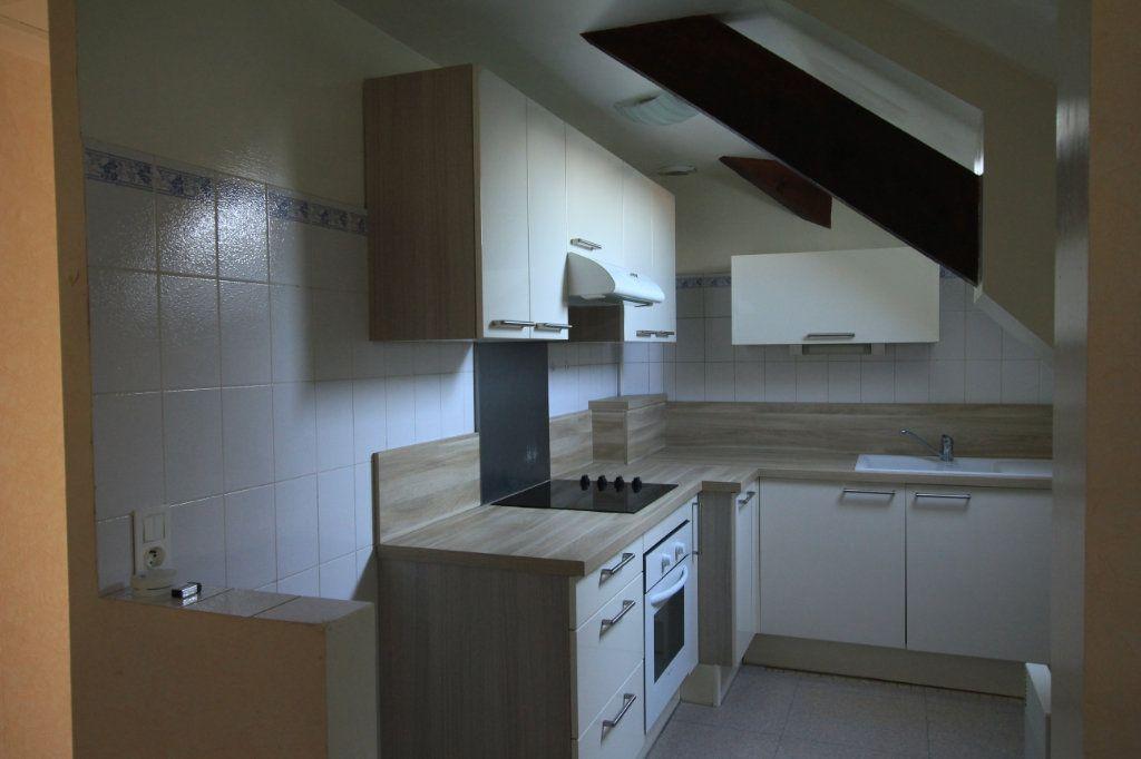 Appartement à louer 3 62.2m2 à Saint-Flour vignette-1