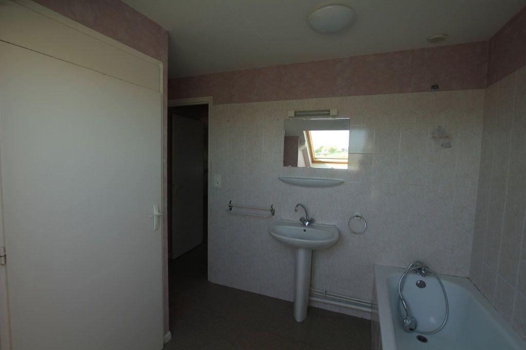 Appartement à louer 3 62.2m2 à Saint-Flour vignette-6