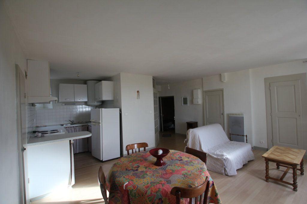 Appartement à louer 2 41.55m2 à Saint-Flour vignette-1