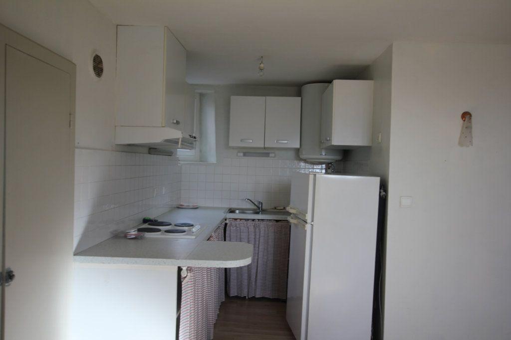 Appartement à louer 2 41.55m2 à Saint-Flour vignette-2