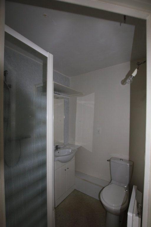 Appartement à louer 2 41.55m2 à Saint-Flour vignette-4