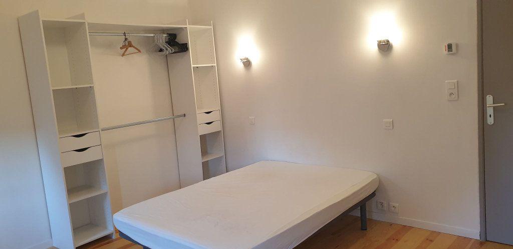 Appartement à louer 3 54m2 à Saint-Flour vignette-4