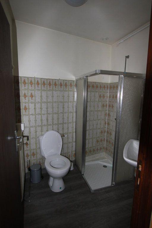 Appartement à louer 1 22m2 à Saint-Flour vignette-5