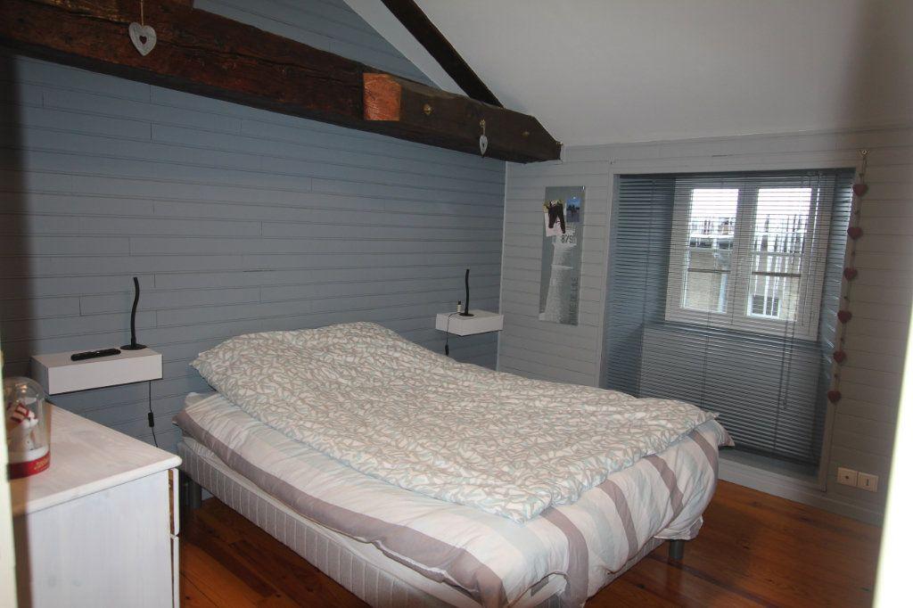 Appartement à vendre 5 137m2 à Saint-Flour vignette-4