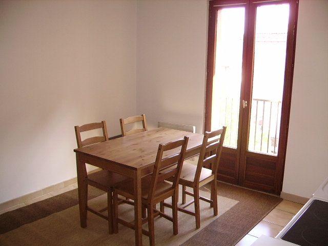 Appartement à louer 2 29m2 à Saint-Flour vignette-2
