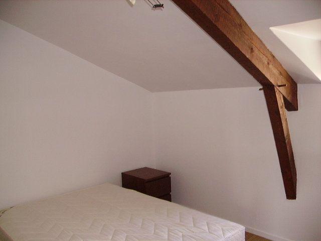 Appartement à louer 2 29m2 à Saint-Flour vignette-3