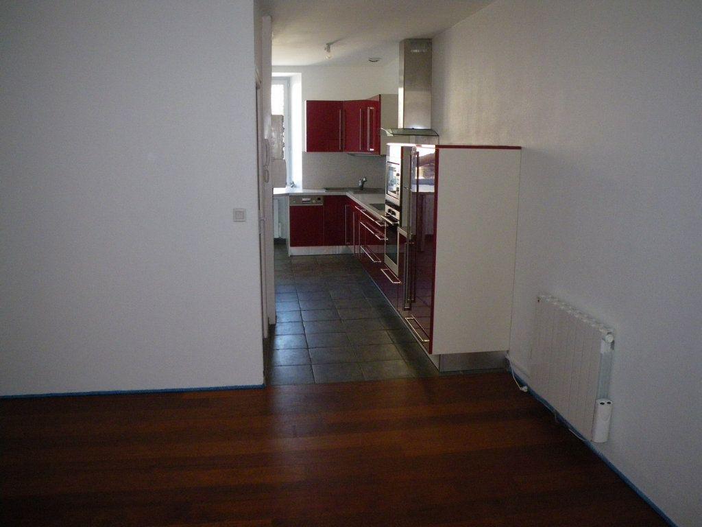 Appartement à louer 1 29m2 à Saint-Flour vignette-4