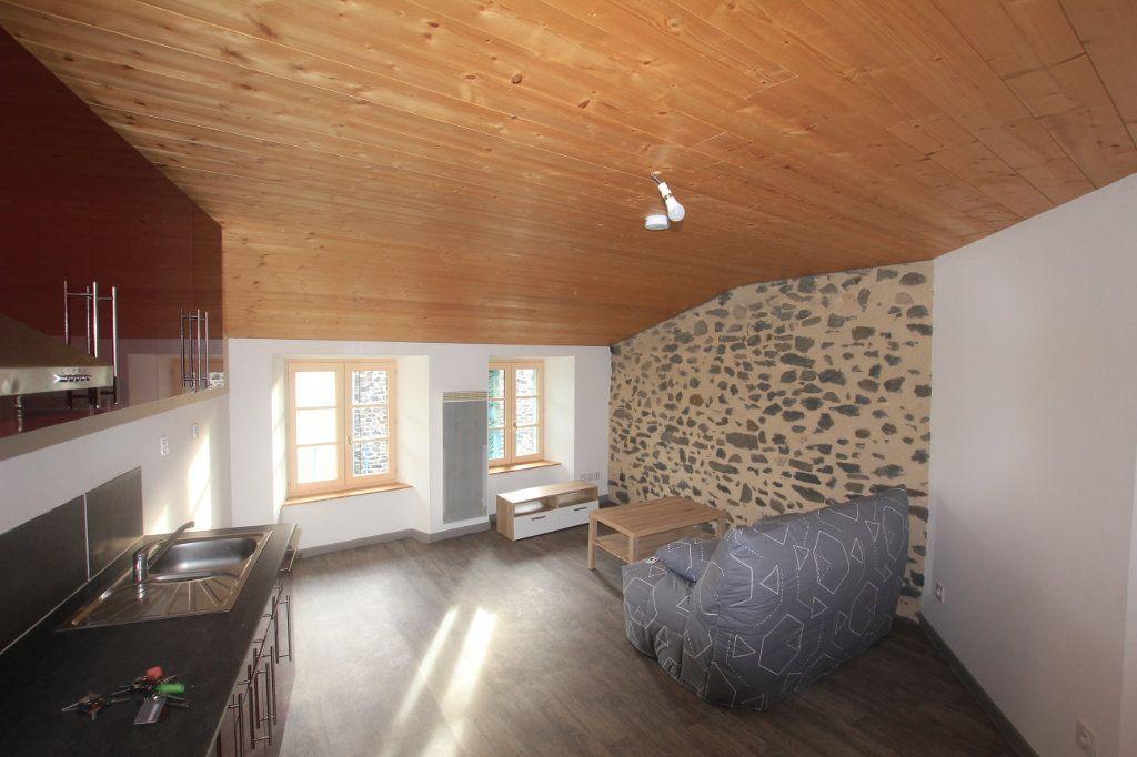 Appartement à louer 2 36m2 à Saint-Flour vignette-1