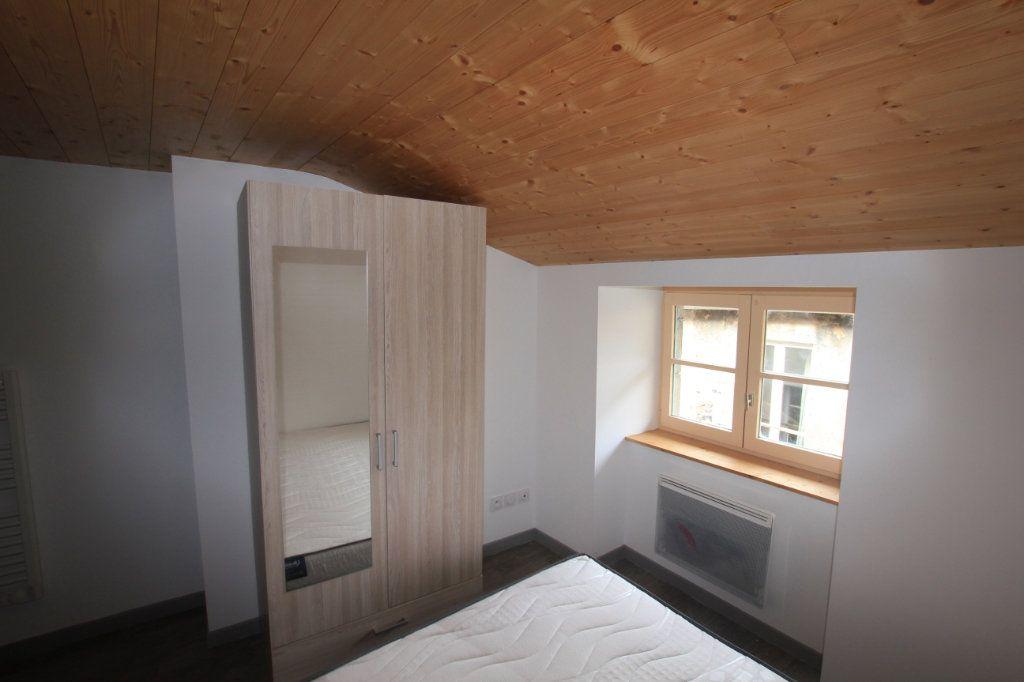 Appartement à louer 2 36m2 à Saint-Flour vignette-2