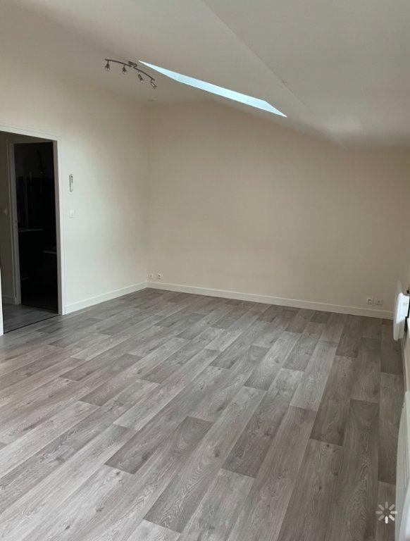 Appartement à louer 3 48.5m2 à Saint-Flour vignette-4
