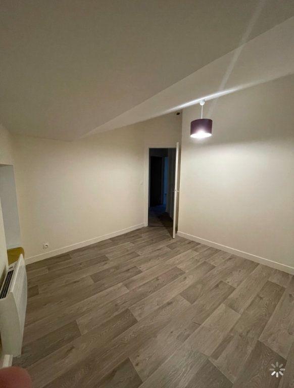 Appartement à louer 3 48.5m2 à Saint-Flour vignette-5