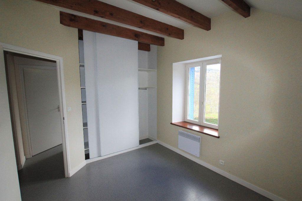 Appartement à louer 3 70m2 à Murat vignette-2