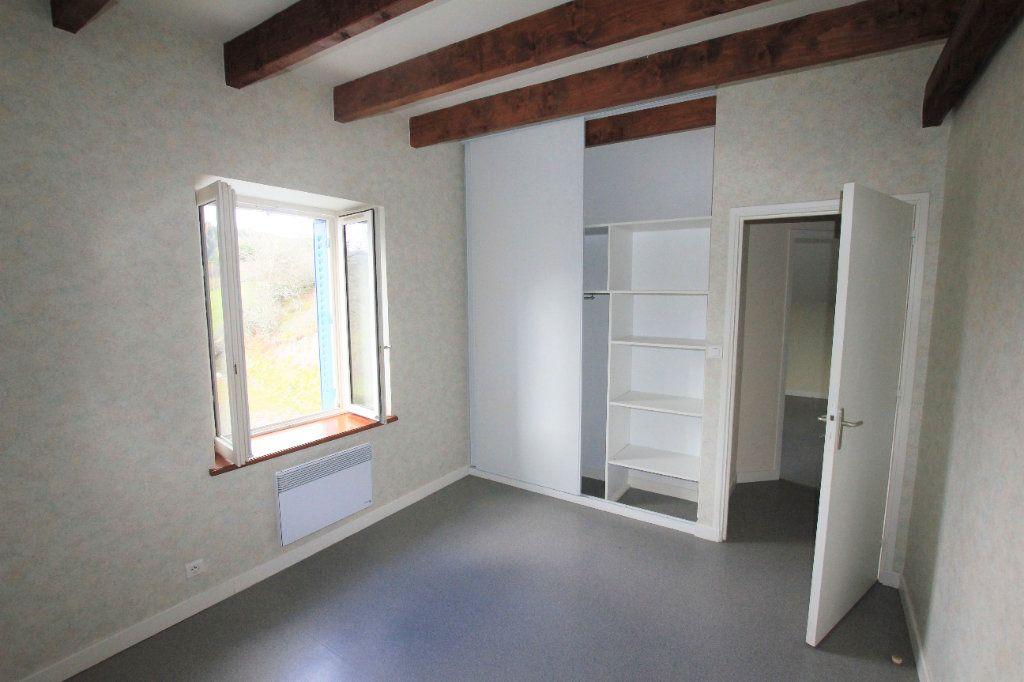 Appartement à louer 3 70m2 à Murat vignette-3