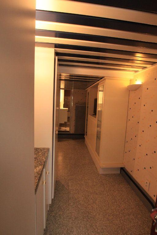 Appartement à louer 1 18m2 à Saint-Flour vignette-5