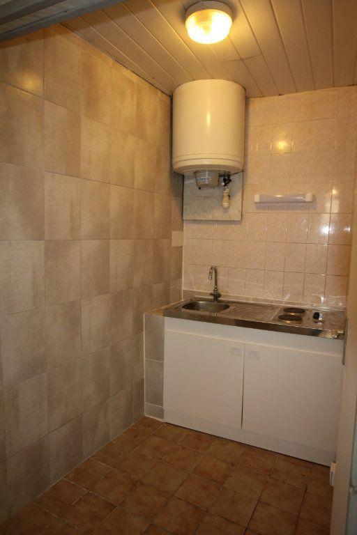 Appartement à louer 1 17m2 à Saint-Flour vignette-2