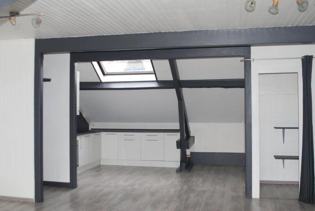 Appartement à vendre 4 79m2 à Saint-Flour vignette-2