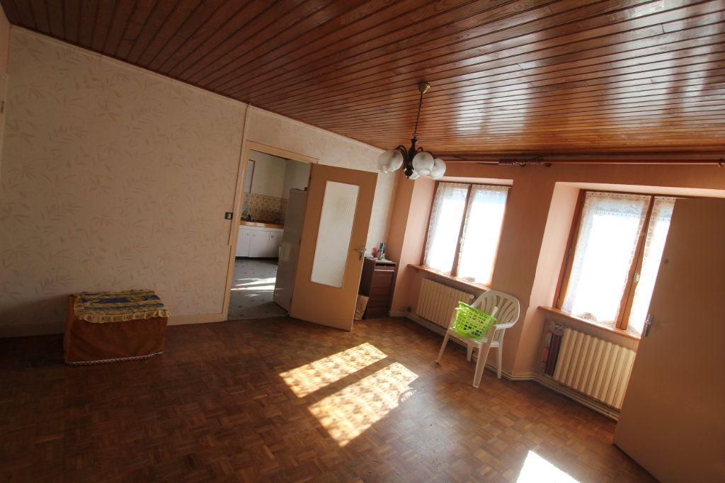 Maison à vendre 8 182m2 à Albepierre-Bredons vignette-2