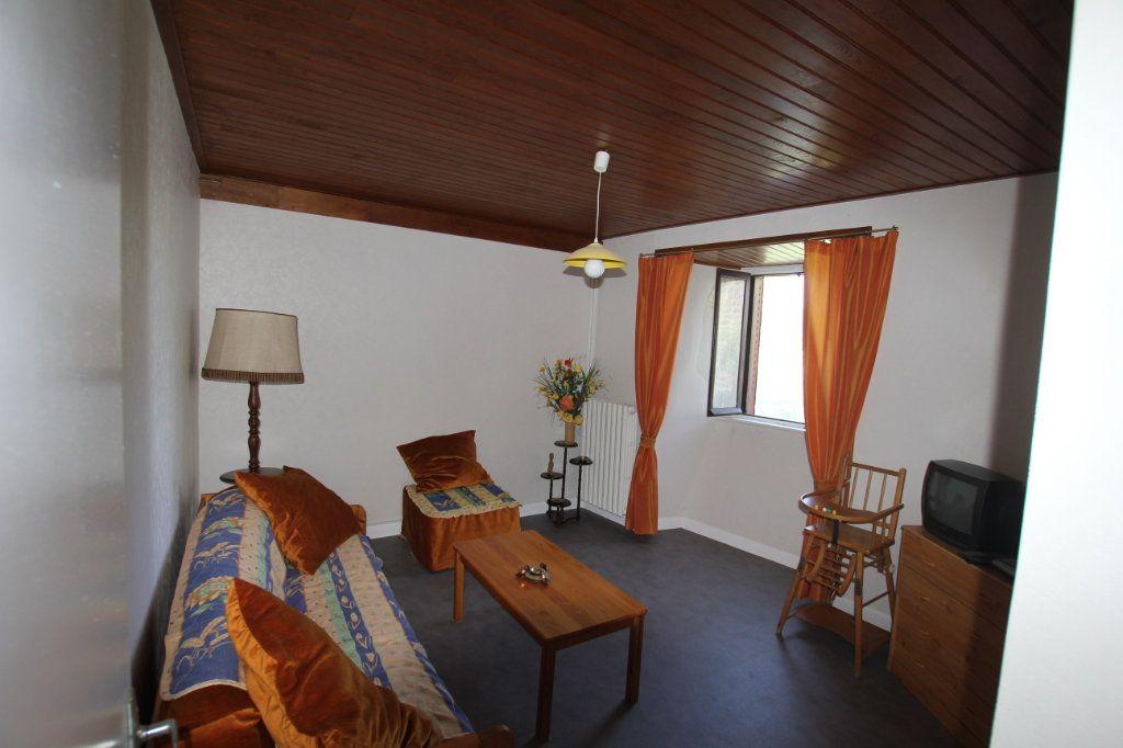 Maison à vendre 8 182m2 à Albepierre-Bredons vignette-3