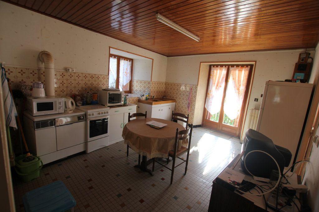 Maison à vendre 8 182m2 à Albepierre-Bredons vignette-5