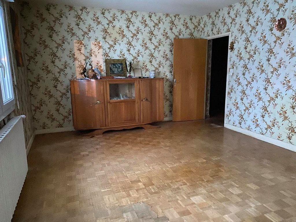Maison à vendre 8 170m2 à Talizat vignette-3