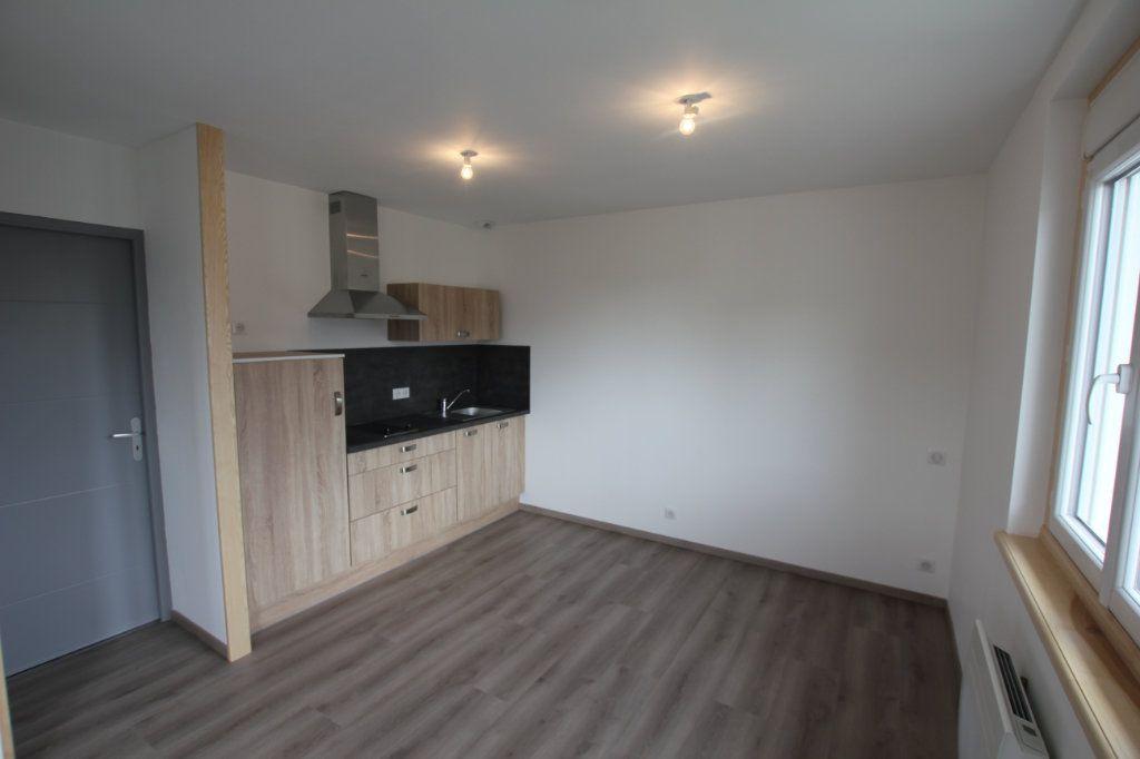 Appartement à louer 1 27.6m2 à Saint-Flour vignette-1