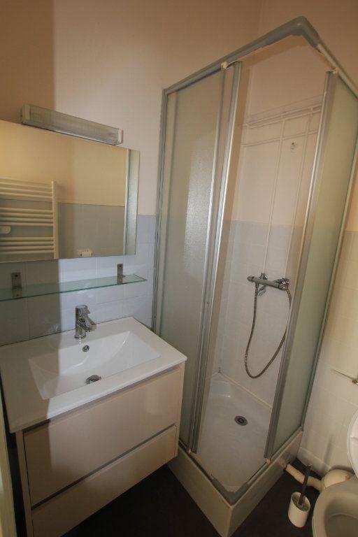 Appartement à louer 1 17.5m2 à Saint-Flour vignette-3