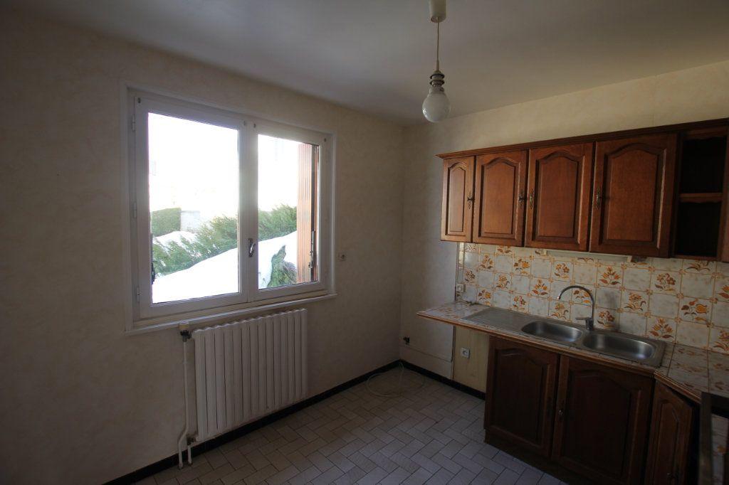 Maison à vendre 5 115m2 à Murat vignette-4