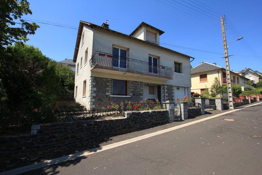 Maison à louer 6 187m2 à Saint-Flour vignette-1