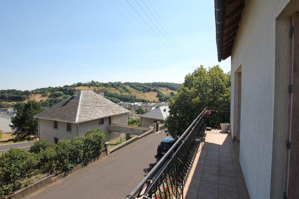 Maison à louer 6 187m2 à Saint-Flour vignette-3