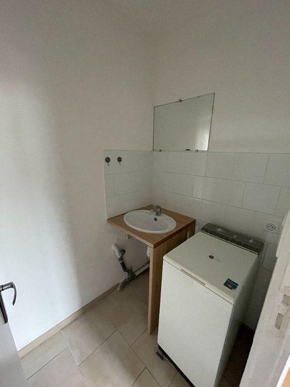 Appartement à louer 2 24.88m2 à Saint-Flour vignette-6