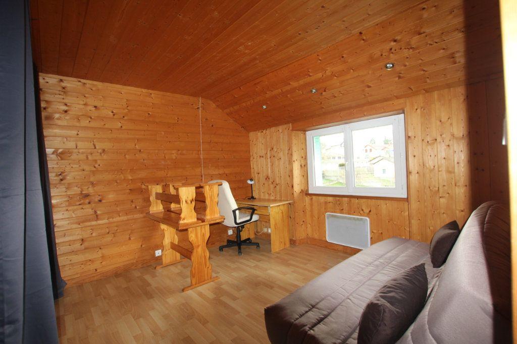 Appartement à louer 1 21.78m2 à Saint-Flour vignette-2