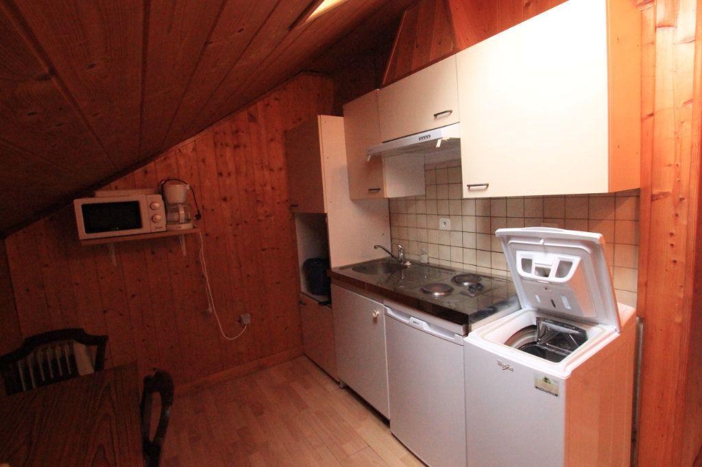 Appartement à louer 1 21.78m2 à Saint-Flour vignette-3