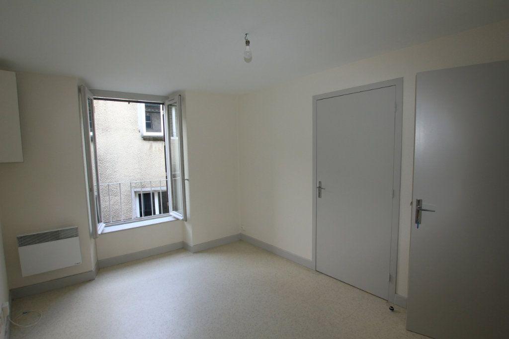 Appartement à louer 2 48m2 à Saint-Flour vignette-4