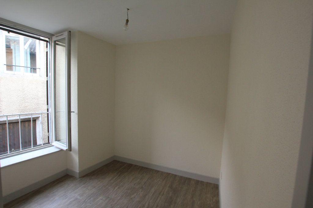 Appartement à louer 2 48m2 à Saint-Flour vignette-5