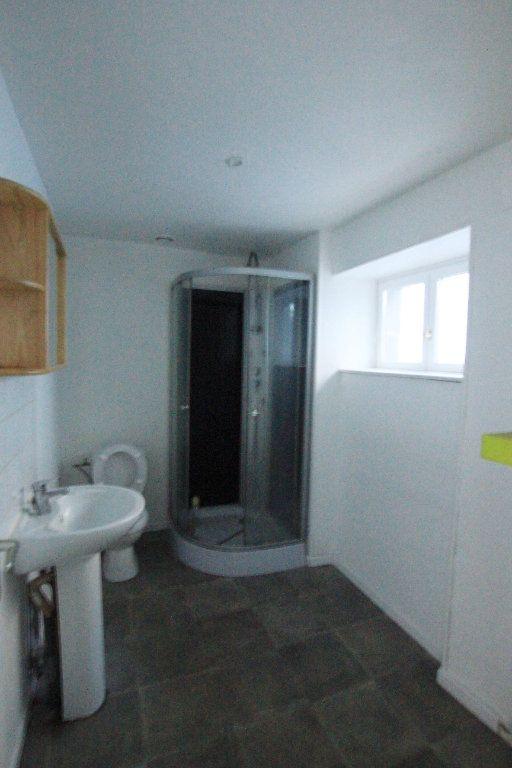 Appartement à louer 2 65m2 à Saint-Flour vignette-3