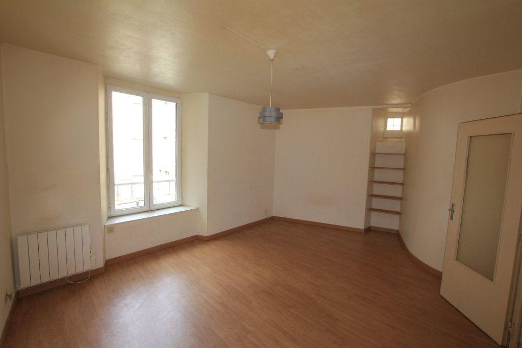 Appartement à vendre 2 47.9m2 à Saint-Flour vignette-1