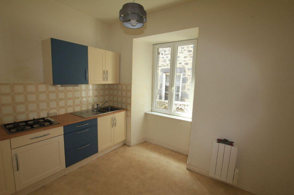 Appartement à vendre 2 47.9m2 à Saint-Flour vignette-2