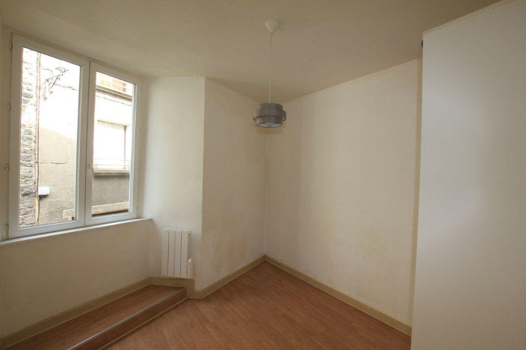 Appartement à vendre 2 47.9m2 à Saint-Flour vignette-3