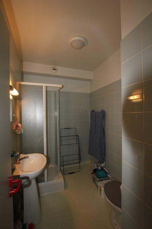 Appartement à louer 1 24.3m2 à Saint-Flour vignette-2