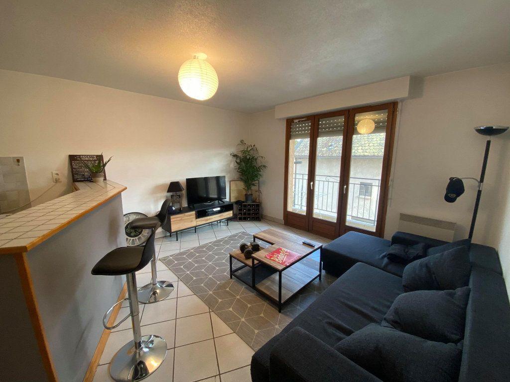Appartement à louer 2 42.64m2 à Saint-Flour vignette-1