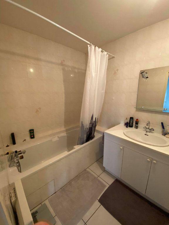 Appartement à louer 2 42.64m2 à Saint-Flour vignette-3