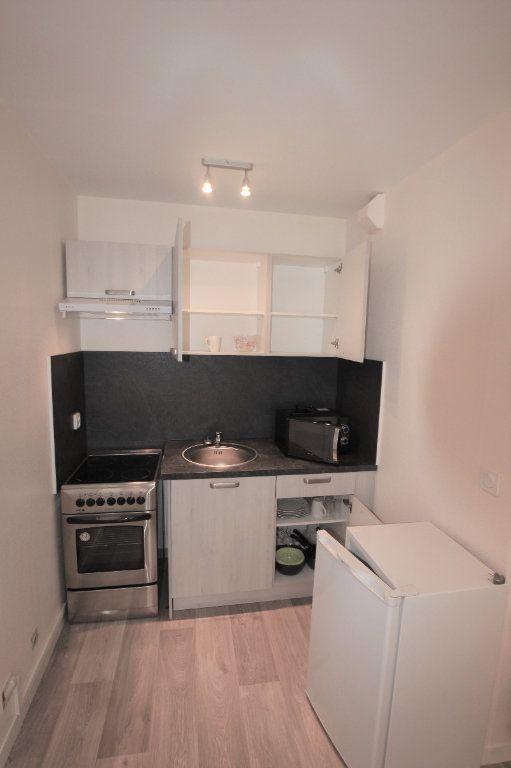Appartement à louer 1 19.4m2 à Saint-Flour vignette-2