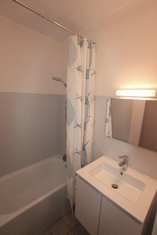 Appartement à louer 1 19.4m2 à Saint-Flour vignette-3