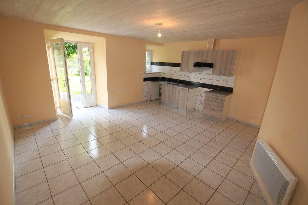 Maison à louer 5 142.92m2 à Saint-Flour vignette-4